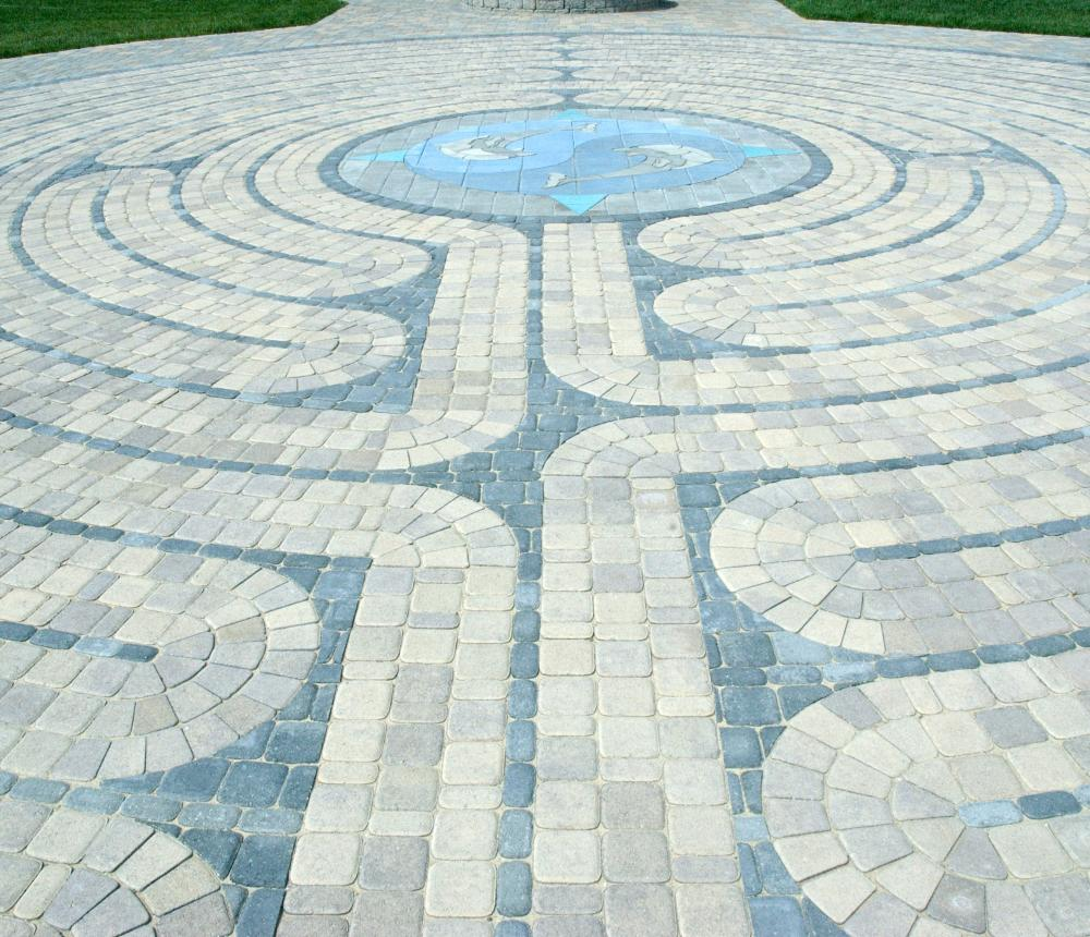 closeup_labyrinth_-_Bob_C.jpg