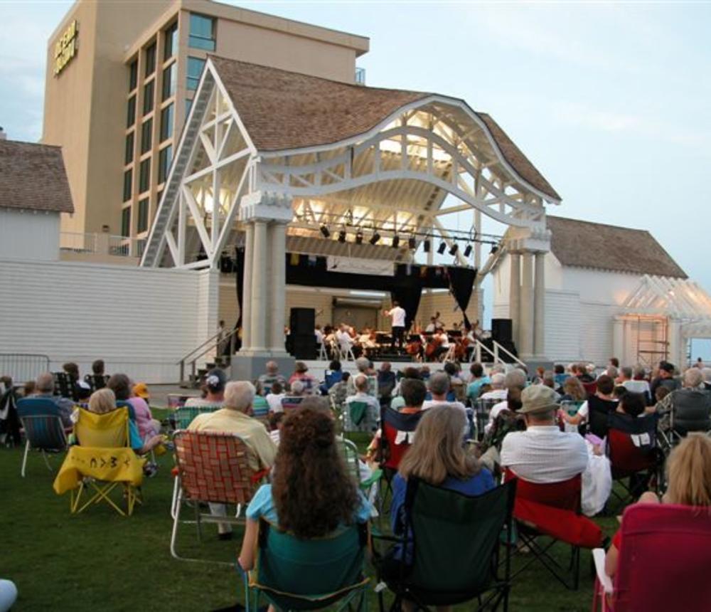 summer concerts photo 2004.jpg