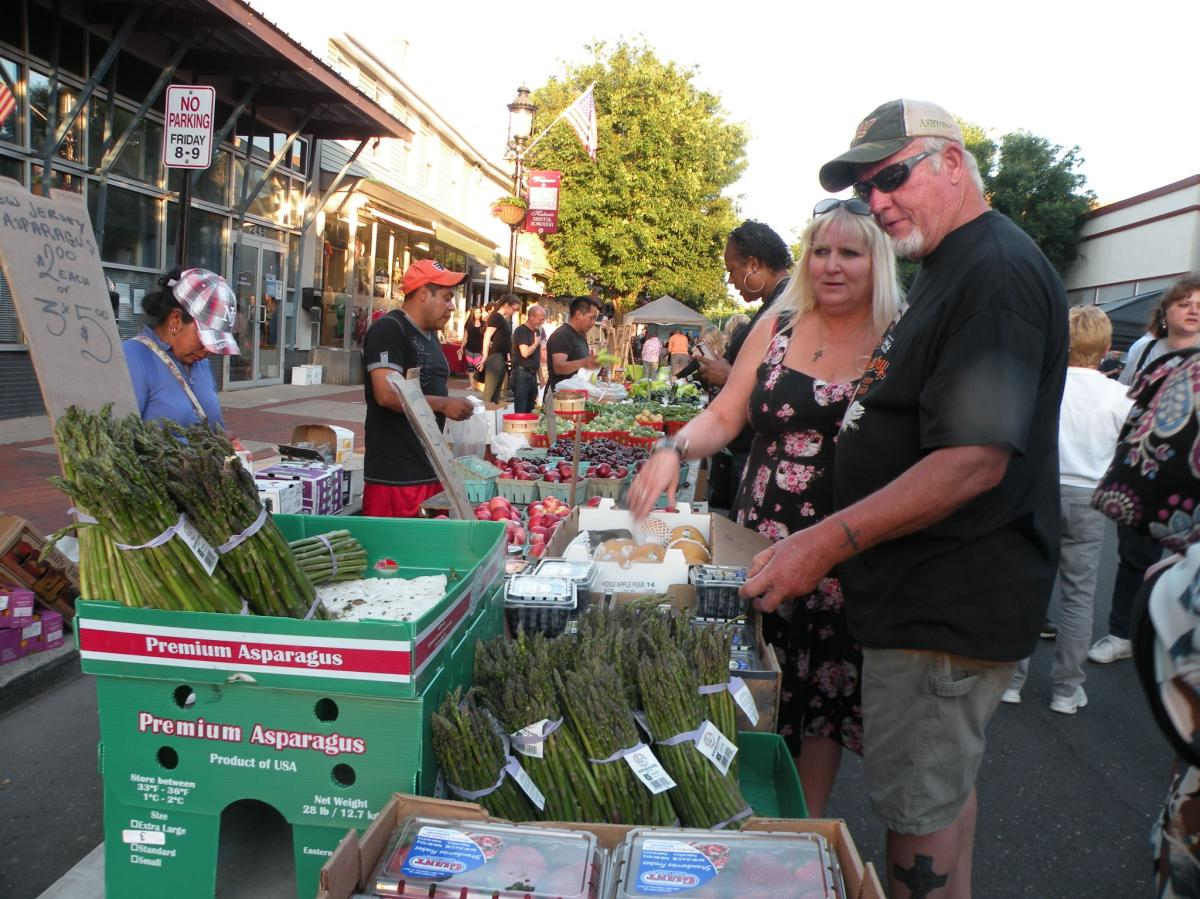 First Friday in Bristol is the perfect opportunity to try and buy local fruits and vegetables