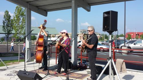 Muskegon Farmers Market - musicians