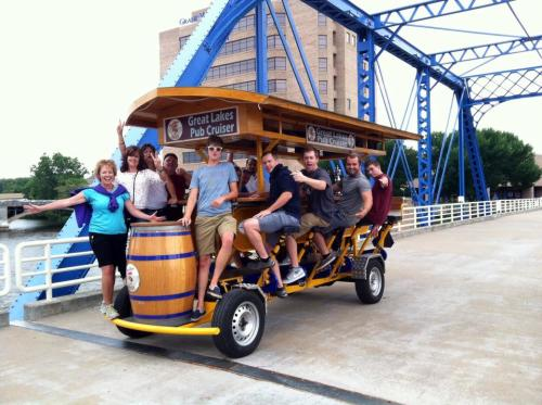 Great Lakes Pub Cruiser brewery tour in Grand Rapids