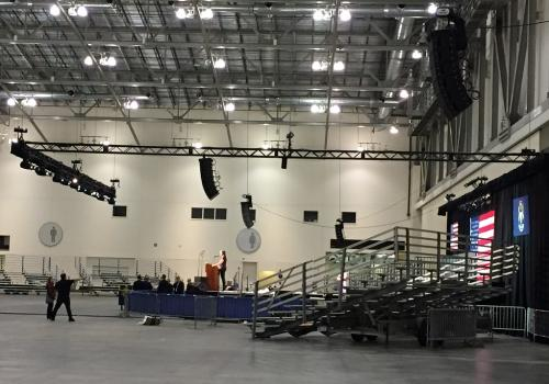 Sound setup of lights and line array speakers in Grand Rapids