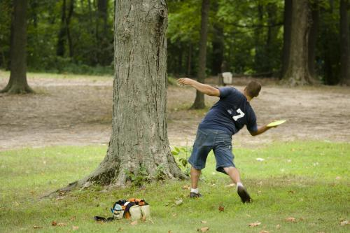 Old Farm Park Disc golfer in Grand Rapids
