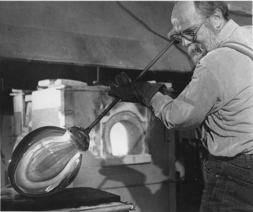 """Harvey Littleton, the """"father of the studio glass movement"""""""