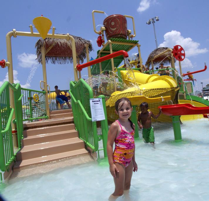SPAR Waterpark kids area slide