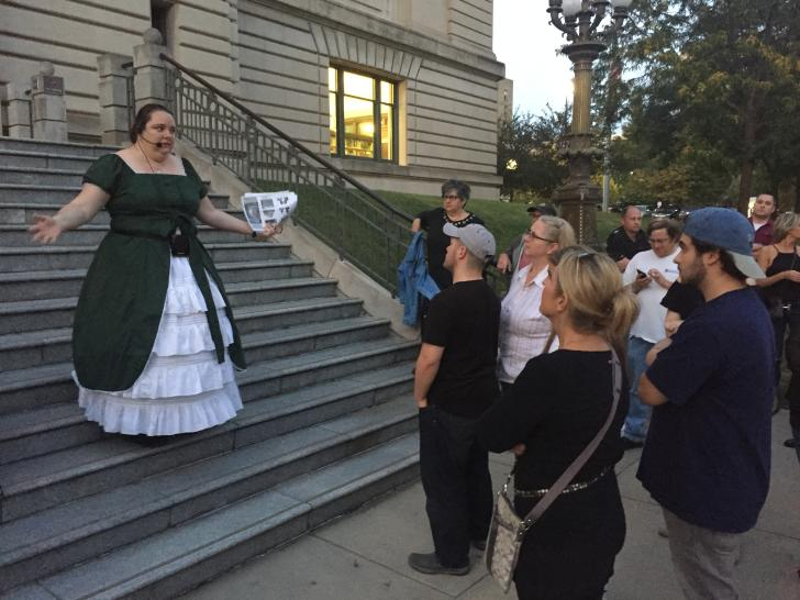 Julie Rathsack leading the Ghosts of Grand Rapids tour