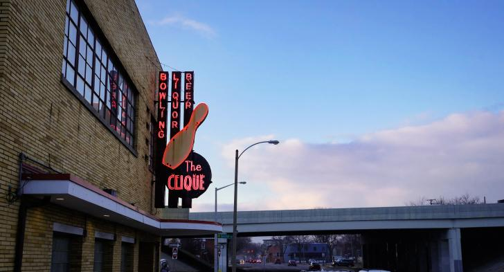 The Clique Bowling Alley sign in Grand Rapids