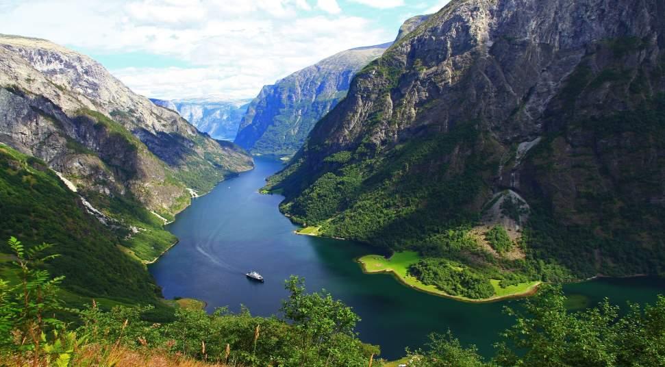 Resultado de imagem para The Nærøyfjord