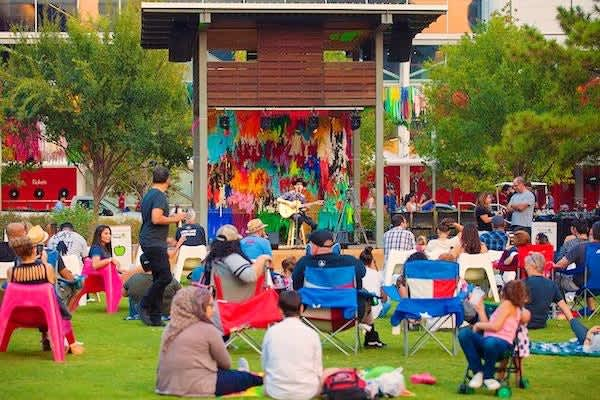 Unplugged en Discovery Green