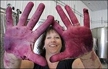 purple_hands