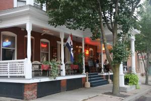 naples-hotel-naples-front-entrance