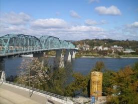 AJC_Walnut Street Bridge