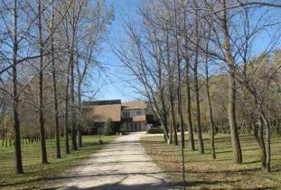 Assiniboine_Trail_Guest_House.jpg