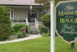 Gite Maison pres de la Rouge Bed & Breakfast