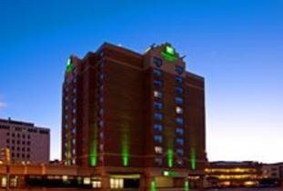 Holiday_Inn_&_Suites_Winnipeg_Downtown.jpg