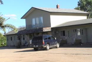 New_Country_Motel.jpg