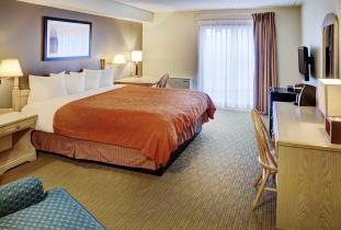 Thompson Inn & Suites Suite