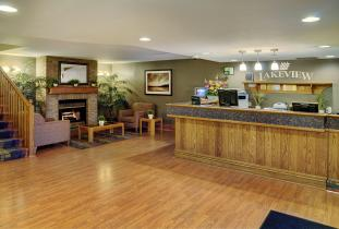 Thompson Inn & Suites Lobby