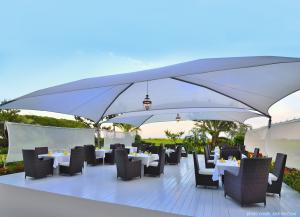 EAST Oceanfront dining