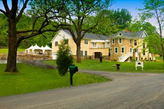Stone Manor B&B - Loudoun County