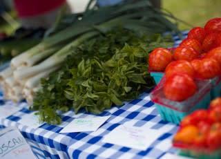 Lehigh-Valley-has-great-Farmers-Markets-320x230