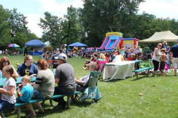 Play'nfield in the Park Kid Zone