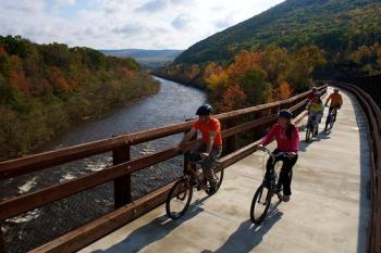 Pocono Biking along the Lehigh River Gorge
