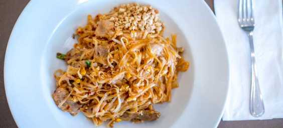 Pad-Thai-from-Hot-Basil-in-Overland-Park