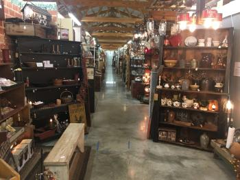 Gilley's Antique & Decorater Mall