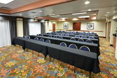 Flexible meeting spaces available for use.