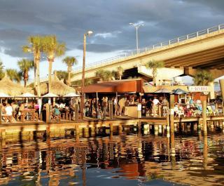 D.J.'s Deck Seafood & Raw Bar