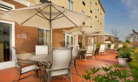Holiday Inn Express Schererville Hotel Patio