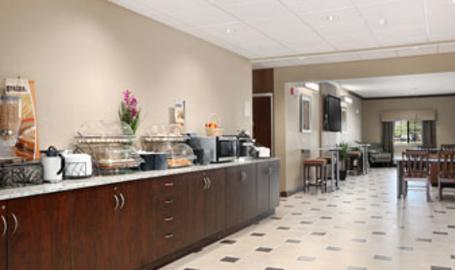 Microtel Inn Suites Hotel Michigan City Breakfast