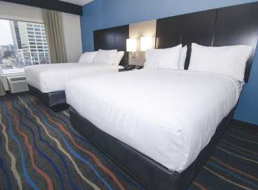 Holiday Inn Hotel & Suites King Room