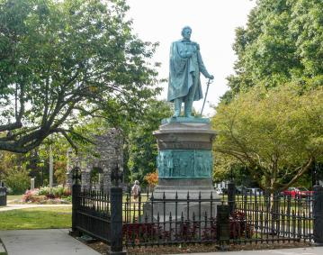 https://res.cloudinary.com/simpleview/image/upload/crm/newportri/touro-park-perry-statue2_credit-Discover-Newport_7373921b-5056-b3a8-498e7a66004674a2.jpg
