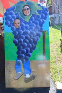 Naples-Grape-Festival-people-cut-out