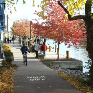 walking and biking paths along the Erie Canal