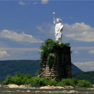statue-of-liberty-dauphin-susquehanna-river