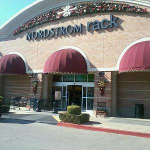 Front of Nordstrom Rack in Houston Texas