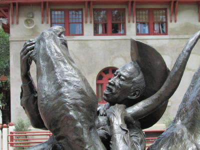 Bill Pickett Statue