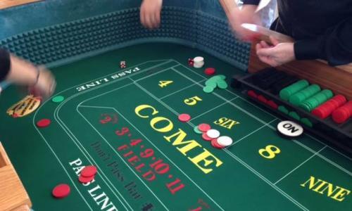 Alpine Amusement gaming table