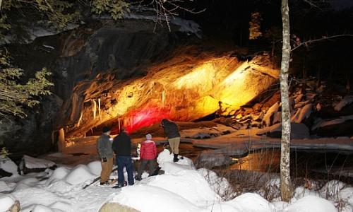 natural-stone-bridge-caves-park-7
