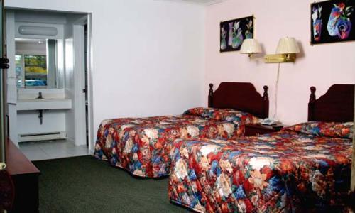 top-hill-motel-saratoga-1