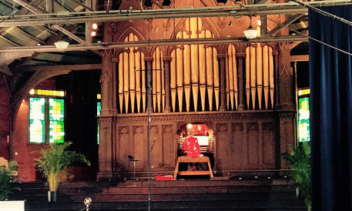 Round Lake Auditorium photo of stage with organ
