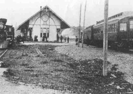 3360P3Eel River & Eureka Railroad depot at Fortuna, before time of NWP. Loco 2, 4-4-0 became NWP 1 a