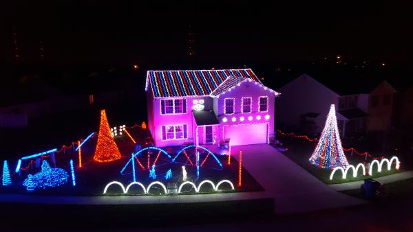Morgan Creek Drive Christmas Lights Display - Fort Wayne, IN