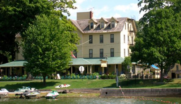 Hotel Lenhart.jpg