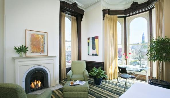 Fireplace Premium Grand Guest Room