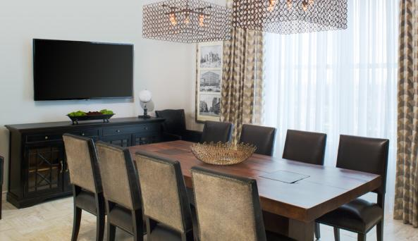 Penthouse Suite Dining Room