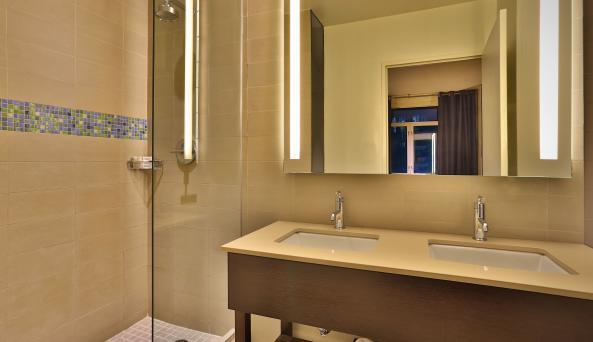 Hotel Hayden bathroom